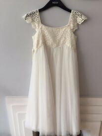 Moonson Girls White Dress UK size - 9-10 years -for special occasions