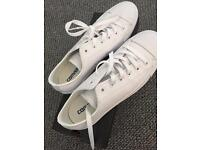 White leather CONVERSE size 7