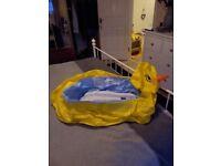 Duck inflatable bath