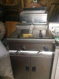 Lincat 3 Phase electric dual fryer