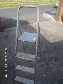 Abru Aluminium domestic step-ladder, 3 step plus top platform