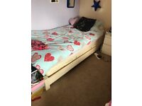 Two single bed (low)