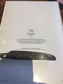 Apple iPad Pro 9.7 Wifi 32GB Gold BRAND-NEW SEALED