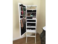 Makeup Unit with lights and jewellery storage