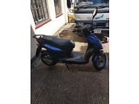 Moped sym symply 50 v5 and both keys present