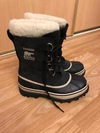 Ladies Sorel boots, sz 4