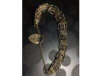 lovely 9ct Bracelet UK HALLMARK