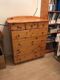 Pine Chest of Drawers(Putnoe, Bedford)