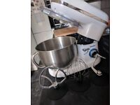 Stand mixer - NEW