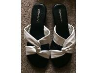 Dolcis White leather flats size 7 brand new