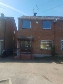 3 bedroom house to let in stivichall coventry near train station