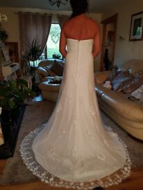 BRAND NEW size 12 ivory SINCERITY wedding dress