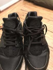 Nike air huaraches size 5