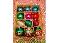 *Vintage Christmas Baubles Mixed: 3 x Hand Painted in Mint Condition, 3 x Sculptured & 6 x Plain