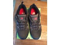 Karrimor Mens Size 10 Walking Shoes As New Boxed