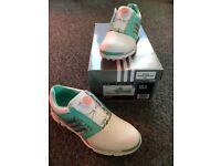 Ladies golf shoes