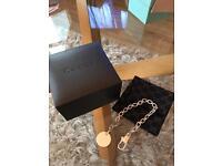 GUCCI tag chain bracelet.