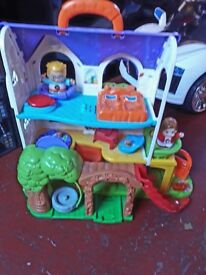 VTECH Toot Toot - Discovery house
