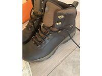 Nearly new Merrill men's walking boots. Size 9.5