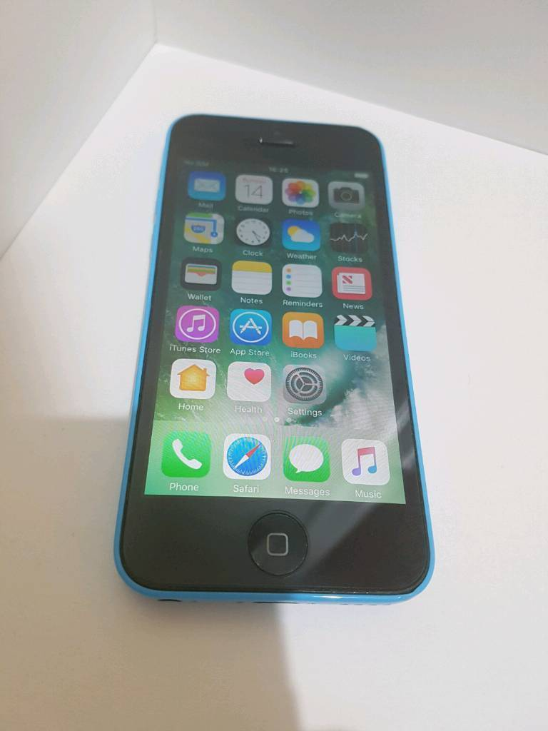 iPhone 5c 16GB O2 and GiffGaff network - Great Condition