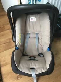 Britax baby safe car seat and base