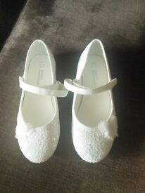 Girls sparkly party shoes. Size 11. Brand new.