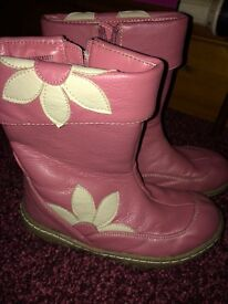 Girls boots size 11