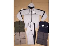 ( OSCARS ) TRACKSUITS JUMPERS T SHIRTS TRAINERS FOR WHOLSALE