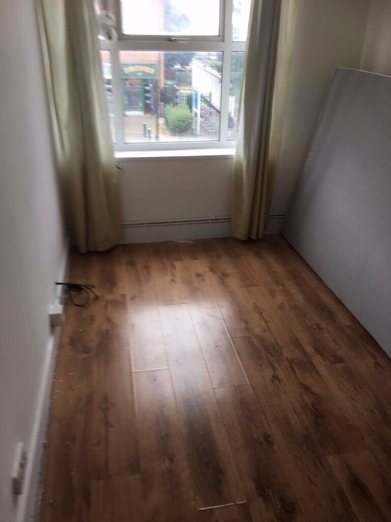 1 BED FLAT TO RENT IN COLLIER ROW WITH ALL BILLS INCLUDED APART FROM COUNCIL TAX.