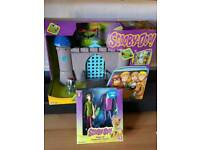 Scooby Doo haunted castle and figures