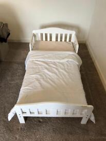 Childs/Kids Bed Frame, Mattress and Quilt set White