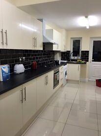 ***AMAZING BRAND NEW HOUSE , DOUBLE ROOM £600 ALL BILLS INC, NEXT TO PICCADILLY LINE, TRUELY AMAZING