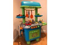 Early learning centre kids sizzling kitchen with lots of accessories