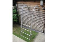 Stainless Steel Swimming Pool Ladder [Four Rungs]