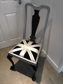 Union flag vintage chair in black, white and silver