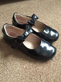 Lelli Kelly school shoes 27F