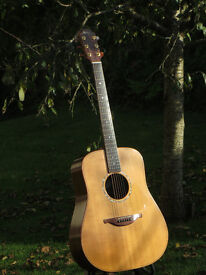 1998 Lowden D32 acoustic guitar in exceptionally fine condition with hard case £1800