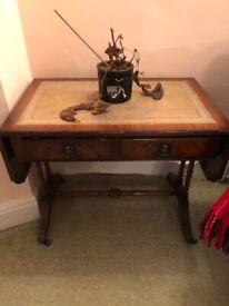 Beautiful vintage side table with drawers