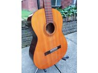 Yamaha G-50A classical guitar. Made in Japan (in very good condition)