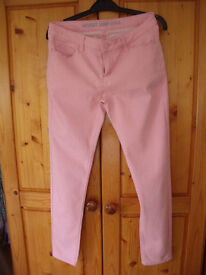 Supersoft skinny peachy/pink coloured jeans. Denim Co. Size 10. Great for summer! £3 ovno.