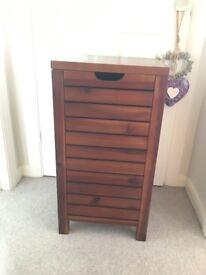 Dunelm Marseille Wooden Laundry Bin - Excellent condition - Bargain price