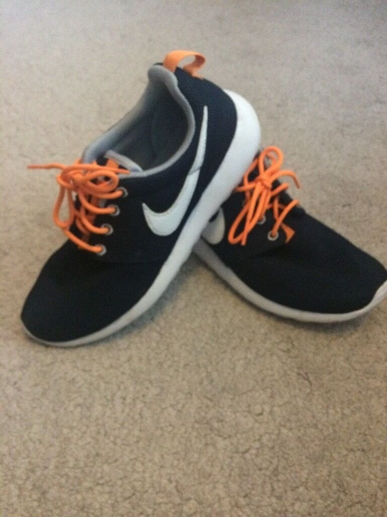xhtvg Junior Roshe Run Trainers, Blue with Orange Laces, Size 5 | in