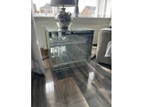 Mirrored side / Centre table