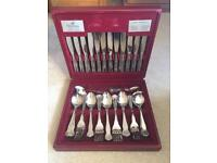 Viners 90 piece cutlery set in presentation box