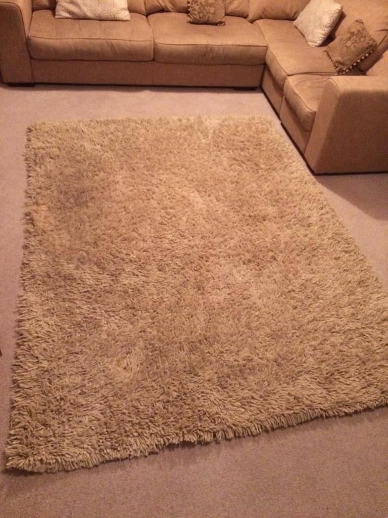 Large Cream/beige 100% wool carpet £15