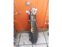 Full golf club set and bag