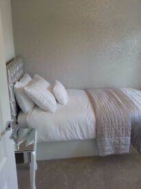 White flower single duvet cover and two pillows
