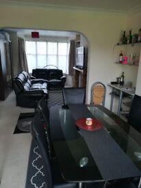 Big double room to rent in North Harrow