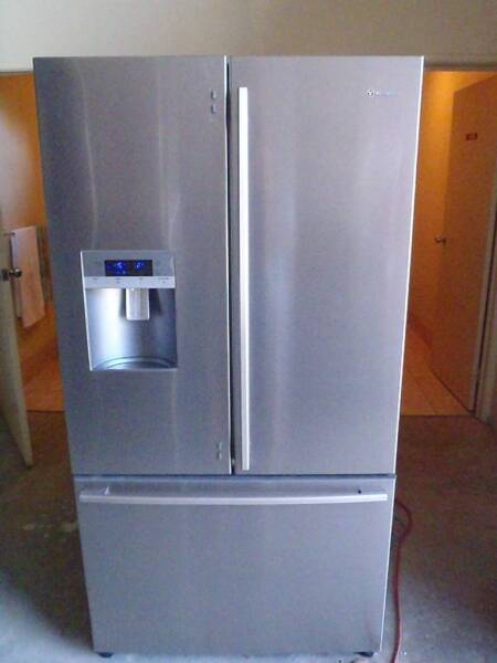 Westinghouse 762L French Door Fridge with Ice and Water ...