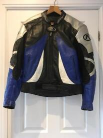 Blue and black full leather motorbike jacket and trousers (Fieldsheer)
